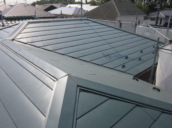 大屋根重ね葺き工事